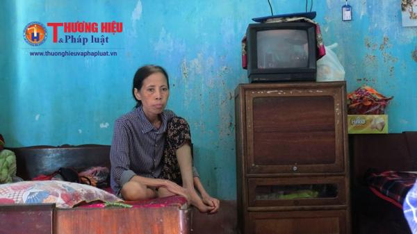 Sức khỏe của cô Nguyễn Thị Thoa ngày một dần yếu đi do căn bệnh ung thư vú hành hạ.