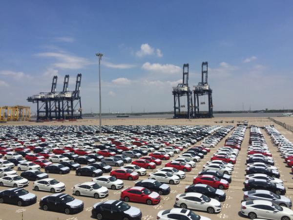 Toyota, Toyota nhập xe miễn thuế