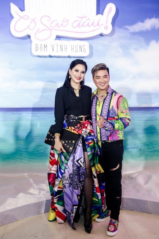 Doanh Nhan Thuy Tien chuc mung Dam Vinh Hung