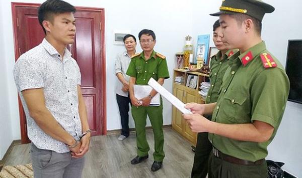 Cơ quan công an đọc lệnh bắt đối với Phan Đại Lợi
