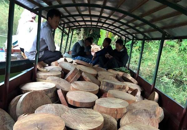 vận chuyển thớt gỗ nghiến