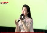 """Sao mai Huyền Trang """"nghẹn ngào"""" trong lễ ra mắt phim ca nhạc Mẹ là điều tuyệt vời nhất"""
