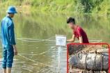 Đi bắt cá, người dân phát hiện quả bom nặng gần 250kg