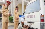 Tăng cường việc thu hồi biển kiểm soát xe ô tô hết niên hạn