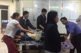 Quảng Ngãi: Xe khách nổ lốp lật nhào, 8 người nhập viện