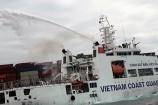 Cảnh sát biển cứu nạn tàu hàng Singapore bốc cháy trên biển