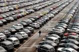 Doanh số bán xe ô tô đột ngột giảm mạnh trong tháng 4