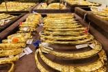 Giá vàng hôm nay 16/5: Vàng bứt phá bất chấp đồng USD tăng