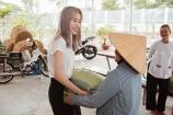 Nam Em đồng hành cùng người hâm mộ dành tặng 500 phần quà cho người khó khăn