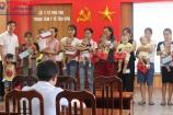 """Phú Thọ: Thương hiệu và Pháp luật tặng quà """"Trung thu yêu thương"""" cho các bệnh nhi tại TTYT Tân Sơn"""