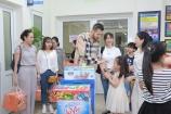 Vietnam Talk Center tặng quà trung thu sớm cho bệnh nhi ung thư
