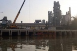 Hải Phòng: Bục đường ống tại công ty xi măng Chinfon, dầu tràn ra sông