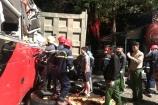 Thanh Hóa: Xe khách tông xe tải, 3 hành khách mắc kẹt