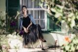 Kim Dung hở khéo vòng 2 'con kiến' khi mặc loạt váy Hà Duy