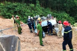 Cứu hộ an toàn vụ lật xe tải chở gần 5 tấn thuốc nổ tại Quảng Trị