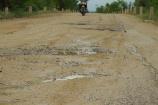 Bình Định: Xe quá khổ, quá tải cày nát đường dân sinh