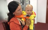 Không tiền, mẹ ẵm con ung thư ngủ hành lang bệnh viện