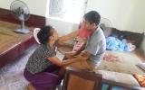 Xót xa người phụ nữ gồng mình 'chăm chồng bại liệt, nuôi con tâm thần'