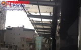 Hà Nội: Thanh sắt rơi từ nhà cao tầng làm hai người bị thương
