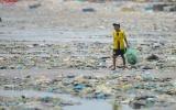Cất cánh tháng 7: Chúng ta tiêu dùng đồ nhựa nhưng đừng chết  trong rác thải nhựa