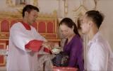 Xúc động MV 'Ơn mẹ' của Sao mai Hiền Anh