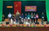 Hà Tĩnh: Thương hiệu và Pháp luật cùng xã Thạch Thắng 'mang Tết' đến với  những gia đình có hoàn cảnh khó khăn