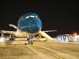 Chuyến bay đưa hơn 300 công dân Việt Nam tại Mỹ về nước an toàn