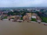 Hà Nội: Bến bãi 'đại náo' trên hành lang đê thoát lũ sông Đuống
