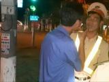 Hà Tĩnh: Người đàn ông va chạm tổ CSGT xử lý nồng độ cồn