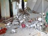 Nghệ An: Sau tiếng nổ lớn, 3 cha con thương vong