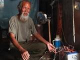 Đắk Lắk: Cả làng 28 năm chỉ dùng đèn dầu dù ở ngay cạnh hai nhà máy thủy điện lớn
