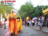 TP Huế: Hàng nghìn Phật tử đội mưa thành kính tham gia lễ rước Phật