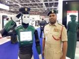 Robot cảnh sát đầu tiên trên thế giới 'gây sốt' ở Dubai
