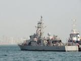 Tàu hải quân Mỹ bắn cảnh cáo tàu Iran tại Vịnh Ba Tư