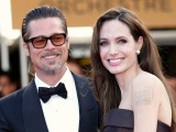 Angelina Jolie và Brad Pitt trì hoãn thủ tục ly hôn?