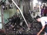 TPHCM: Cháy nhà ở trung tâm quận 1, du khách hoảng hốt bỏ chạy