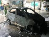 Thanh Hóa: Ôtô cháy trơ khung trong bãi giữ xe