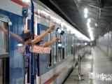 Đường sắt tăng 16 đoàn tàu, hàng không tăng chuyến vẫn 'cháy vé'