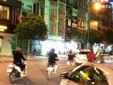 TPHCM: Nhiều cửa hàng đèn led đang gây nguy hiểm cho người tham gia giao thông
