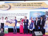 """Bảo Việt trao xe Mercedes-Benz C200 trong chương trình """"Mùa hè sôi động"""""""