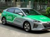Bộ GTVT đề xuất quản lý GrabCar bằng cách đeo biển trên nóc xe