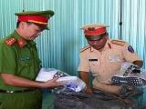 Thừa Thiên Huế: Liên tiếp bắt giữ 2 ô tô chở hàng hoá không rõ nguồn gốc