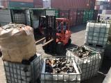 Rác thải độc hại trong 20 container 'lén' cập cảng Cát Lái