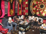 Hưng Yên: 16 thanh niên dương tính với túy tại quán Karaoke