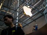 Apple vừa đòi lại ngôi vương từ tay Amazon
