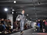 Quán quân The Face VietNam 2018 trình diễn ấn tượng sàn diễn Seoul Fashion Week