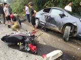 Hà Tĩnh: Xế hộp va chạm xe máy, 2 người nhập viện cấp cứu