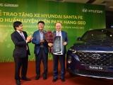 Tập đoàn Thành Công và Hyundai trao tặng xe Santa Fe cho ông Park Hang Seo
