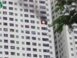 Cháy tại chung cư Linh Đàm, cư dân hoảng loạn tháo chạy
