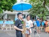 Mặc cơn mưa đầu mùa, Thái Thùy Linh vẫn hăng say lan tỏa nhận thức về trẻ tự kỷ